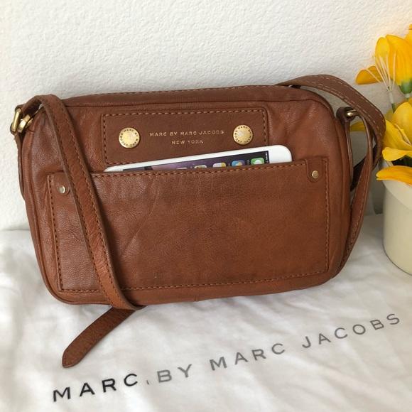 b3c82cfffb Marc by Marc Jacobs preloved leather crossbody. M_5b689c25800dee294e0135a3